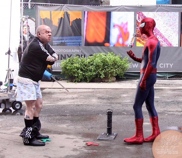 spidermanvsrhino